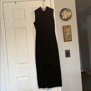Long black dress- castor